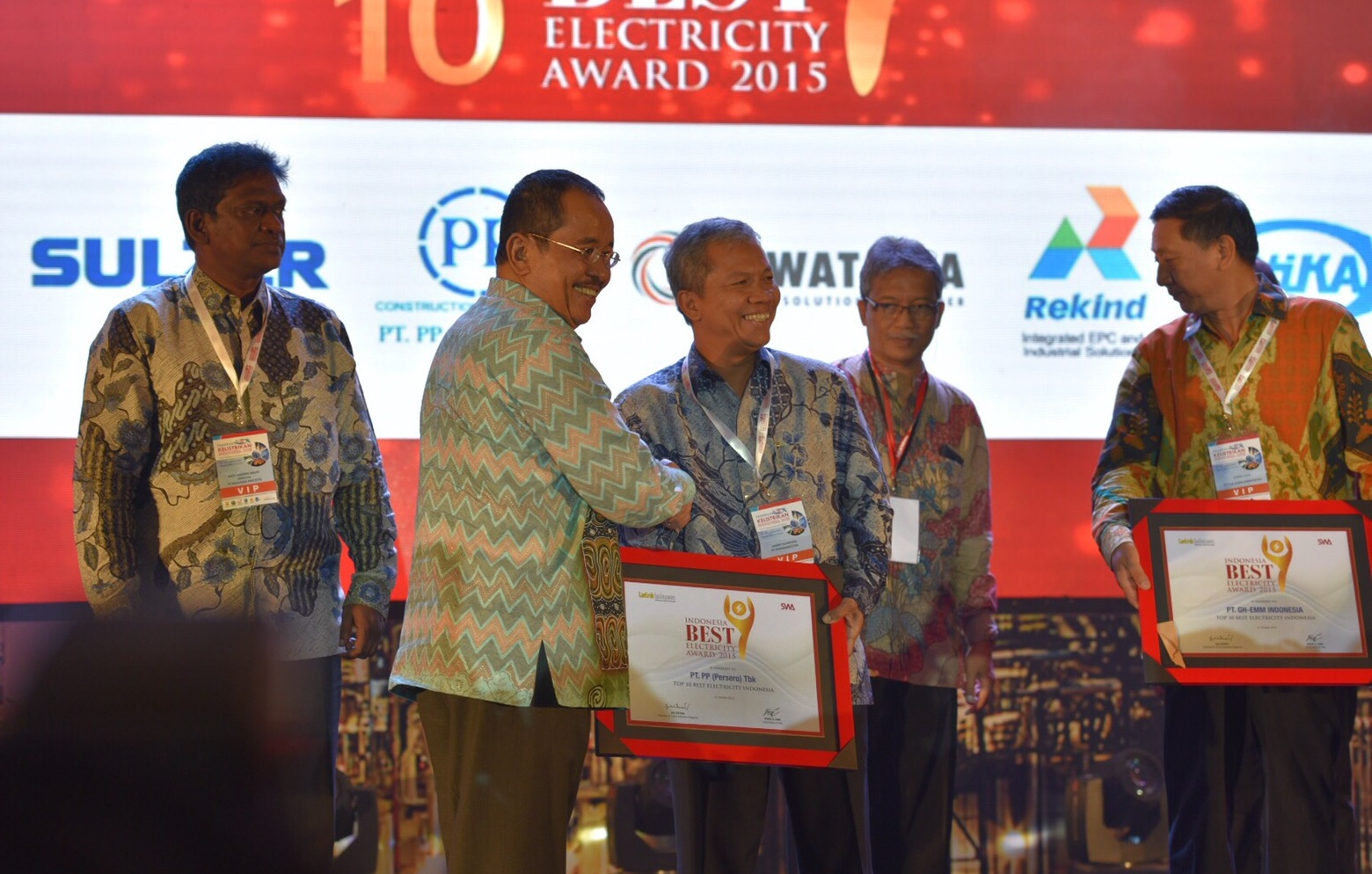 PTPP Raih Top 10 Best Electricity Indonesia Awards 2015